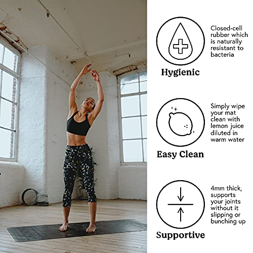 Yogi-Bare Paws -Esterilla de Yoga de Agarre Supremo - Caucho Natural con guías para la Correcta alineación del Cuerpo - Gris