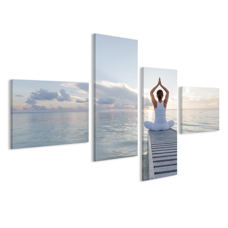 Cuadro de Yoga con mujer meditando en puesta de sol