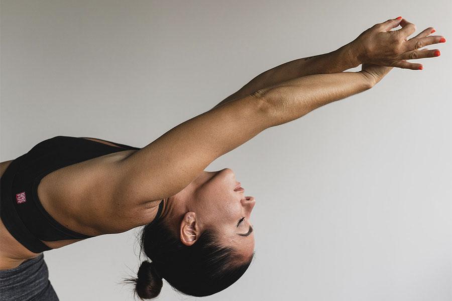 12 posturas de Yoga para aliviar los dolores de espalda