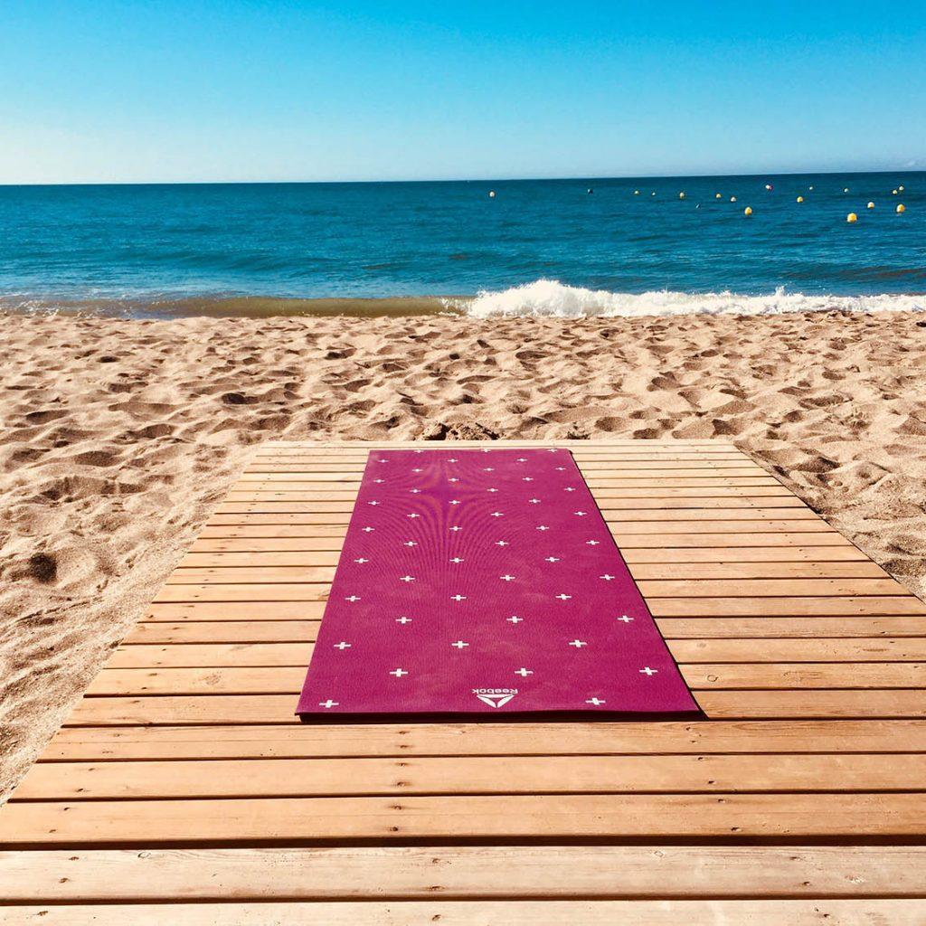 como limpiar una esterilla de yoga