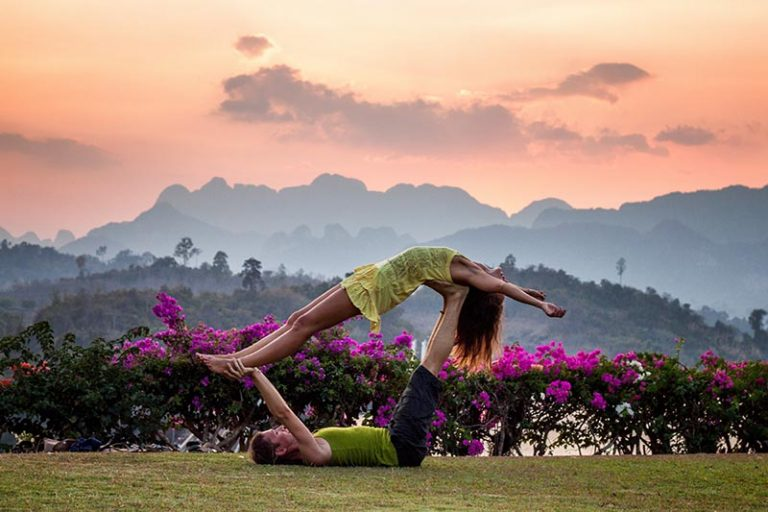 5 retiros de yoga en españa