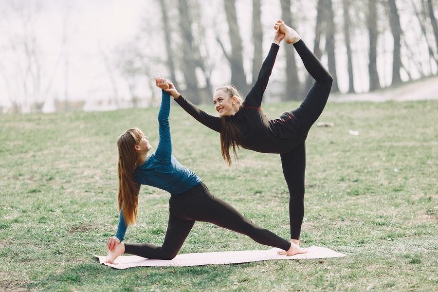 tipos de yoga, acroyoga